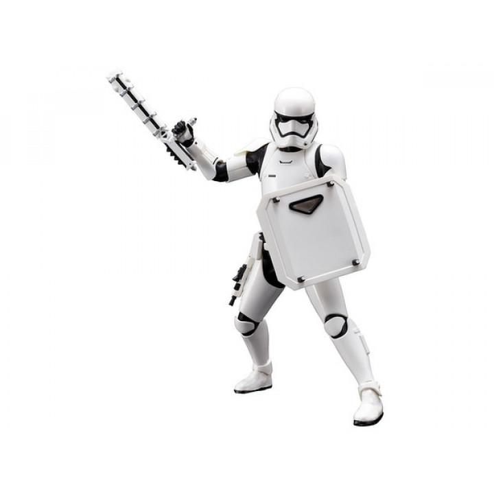 Фигурка штурмовика FN-2199/FN-2187 из фильма Звездные войны: Пробуждение силы